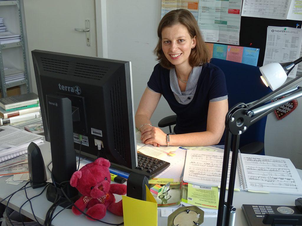 Anne Oppermann - Dramaturgin für Musiktheater und Konzert